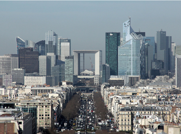 Photo aérienne du quartier de la Défense à Paris